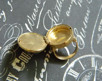 Cool Vintage Poison Ring - Reproduction Victorian Style Hinged Statement Ring - Locket Ring - Adjustable Assassin's Ring