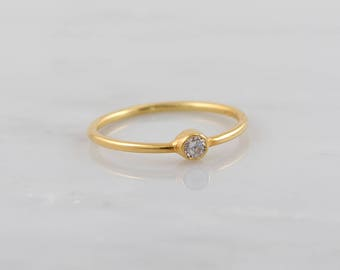 Clear Quartz ring, Solitaire Dainty Ring, Delicate gold ring, Thin Ring, Simple Gold Ring, Minimalist ring, Dainty ring, Stacking ring