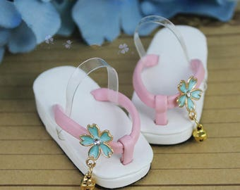 BJD Japanese Geta traditional footwear sandals Flip Flops white pink with sakura decoration and bells  SD 1/3 SD13 1/4 msd