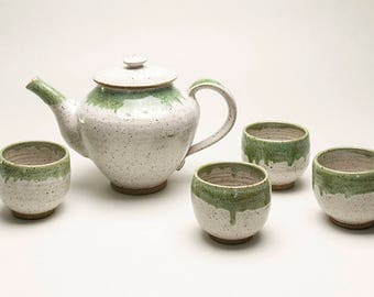 TEAPOT WITH 4 CUPS