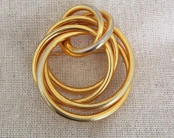 Vintage brooch, gold tone shawl pin, gold hoop lapel pin, gold scarf pin, vintage sweater pin, 1970s vintage broach