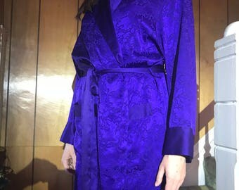 Victorias Secret Wrap Robe/Regal Purple Satin Damask/Dressing Gown/Jacquard Texture/Early 1980s/Gold Label/Small/Kimono/Bride/Honeymoon