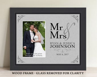 Mr and Mrs Wedding Gift, Mr and Mrs Gift, Mr and Mrs Gift Idea, Mr and Mrs Wedding Gifts, Mr and Mrs Wedding Picture Frame