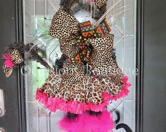 Halloween Wreath, Halloween Witch Cat Door Hanger, Halloween decoration, Whimsical Halloween decor, Front door wreaths, Large wreath