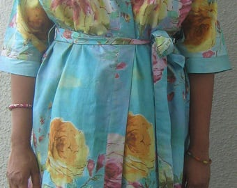 Serene Blue Large Blooming Rose Bridesmaid Robes, Floral Kimono Crossover Patterned Robe Wrap, Bridesmaids Gift, Bridal Party Robes
