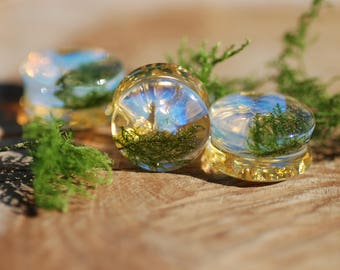 Clear Blue Opal Gauges Green Moss 24K Gold Ear Plugs, Iridescent Gemstone and Nature Ear Gauges, Bright and Warm Tunnels Crystal Stretchers