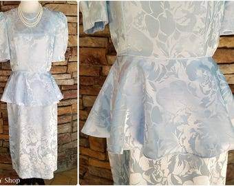 Pale blue solid floral pattern shiny 80s dress with peplum - medium