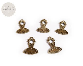 10 Breloques robe 21x15mm métal bronze princesse mariée mariage / beauté-a15