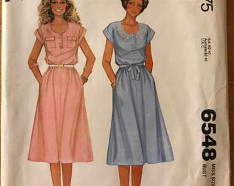 McCalls 6548 - 1970s Blouson Dress in Below Knee Length with Novelty Button Closure - Size 12 Bust 34