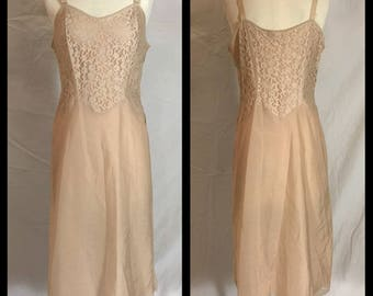 1950s Barbizon Beige Camiflirt Taffreda Full Slip with Lace Bodice in Midi Length - Size 16