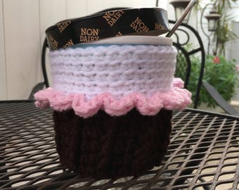 Cupcake Ice Cream Cozy for Pint Size Container Cupcake Bridal Shower Baby Shower Party Favor Crochet Cozy