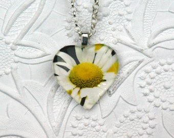 Heart-shaped Daisy Photo Necklace Daisy Necklace Daisy Jewelry Photo Jewelry Photo Necklace Nature Photography
