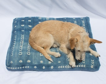 Indigo Shibori Pet Bed // Medium // Bohemian mudcloth dog bed