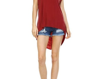 Chic Flowy High-Low Top - Red