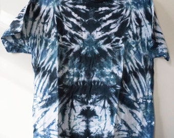 L Black and Blue Tie Dye T-shirt