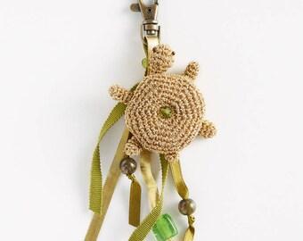 Keychain: Turtle amigurumi