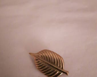Vintage Japan Leaf - Gold Plated Brooch - Estate Jewelry - 1970s