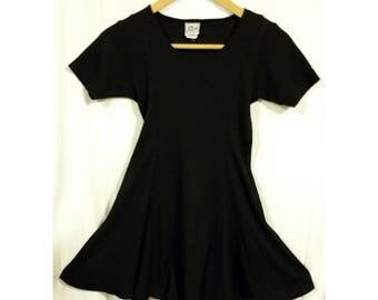 90s Black Waffle Knit Skater Dress Sz Small Medium Mini Flounce Skirt Fitted Bodycon Fit & Flare Twirly 1990s Casual Clubwear Streetwear