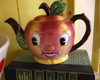 Vintage PY Apple Teapot/Anthropomorphic Collectible/Japan/Apple Face TeaPot/Kitschy