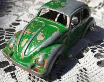 Tootsietoy 1953 VW Beetle Diecast toy car