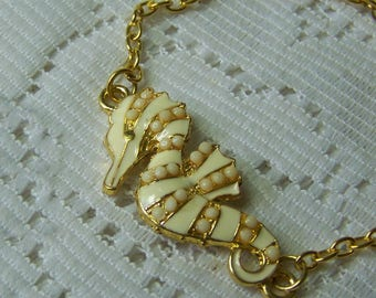 Ivory Seahorse Bracelet, Summer Beach Bracelet Jewelry, Ocean Jewelry Gift, Cream Seahorse Beach Jewelry Summer Bracelet Cruise wear Jewelry