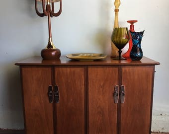 MID CENTURY MODERN Media Stand, Stereo Cabinet or Bar (Los Angeles)