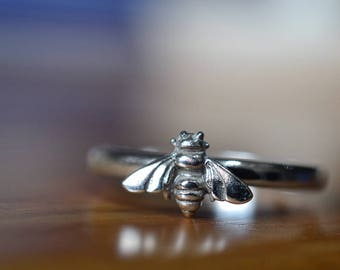 Silver Bee Ring, Customized Bee Jewelry, Sterling Silver Bumblebee Ring with Engraving, Honeybee Stack Ring, Custom Size, Personalized Gift