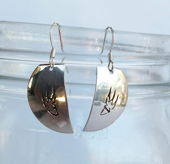 Vintage 1970s Sterling Silver Bear Paw Earrings by Paquin family from Laguna Pueblo