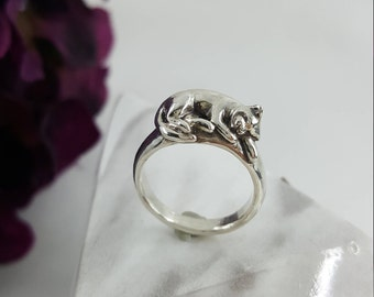 Sleeping Cat Ring in Sterling Silver, silver cat ring, sleeping cat silver, silver cat jewelry, cute cat jewelry, sterling cat ring