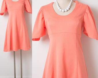 Mod Dress, 60s Dress,Peach Dress,Vintage peach dress,Vintage Orange dress,60s babydoll dress,60s mini dress,Mod 60s dress, Coral dress - S/M