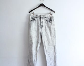 White Acid Wash 90s Jeans