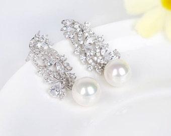 Pearl Dangle Earrings | Bridal Pearl Earrings | Bridesmaid Pearl Earrings | Pearl Jewelry | Bridesmaid Jewelry | Wedding Jewelry