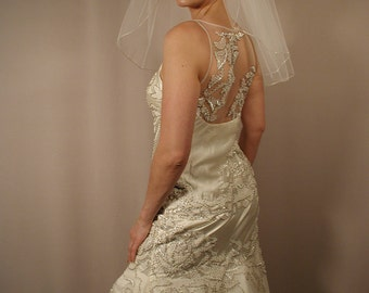 "22"" Past Shoulder Length Wedding Veil with Silver Trim Pencil Edge"