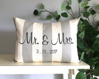 Mr and Mrs Pillow, Wedding Pillow, Custom Monogrammed Pillow, Decorative Pillow, Rustic Home Decor, Accent Pillow