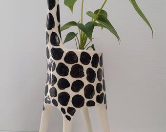 Ceramic Giraffe Planter / indoor planter / succulent planter / air plant / cactus