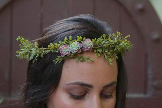 Forest Green Flower Crown. Green Flower Crown. Greenery Flower Crown. Green Bridal Crown. Green wedding crown. Bridal Hair Accessories.