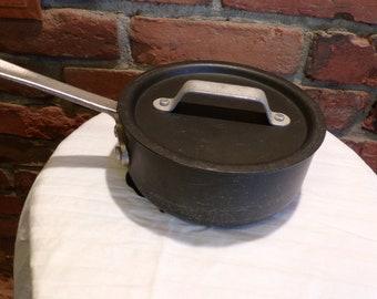 Commercial Aluminum Cookware Pre Calphalon-Anodized 1 Qt Sauce Pan 5001 w/ 305 Lid, 1970's sauce pan with lid, Morethebuckles