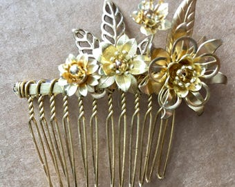 The FLORA COMB 2 - Hand Made Floral Leaf Flower Hair Comb