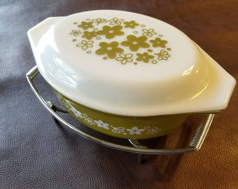 Vintage Pyrex Spring Blossom oval casserole dish with stand (1972-1978)