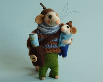Felt mouse. Needle felted Mouse with child Mouse - Father. Gift. ornament. Father and son. felt mice dollhouse mice. Traveler, explorer mice