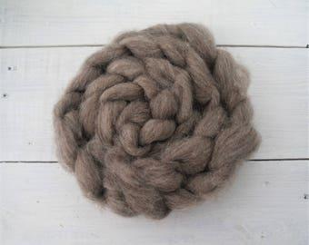 Local sheep fiber roving top 3.5 oz (100 gr) for spinning, felting, weaving