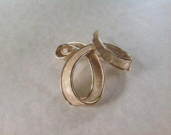 Crown Trifari brushed Gold tone Brooch