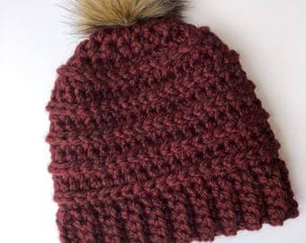Slightly Slouchy Beanie with Faux Fur Pom in Maroon