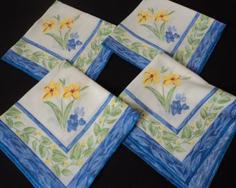 French vintage set of four printed daffodil napkins (05121)