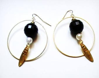 Hoop earrings gold with a ball