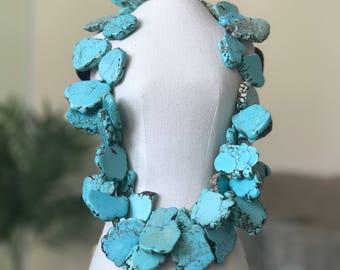 Santorini Necklace   Turquoise   The highlight of your outfit will be this stunning necklace!