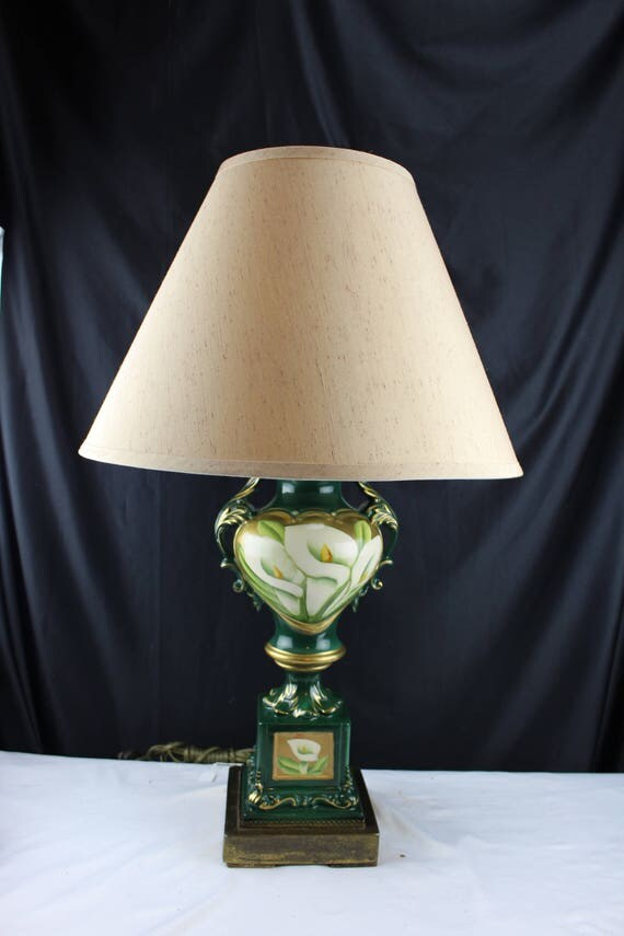 Vintage Ceramic Table Lamp Victorian Urn Shaped with White Calalylies Handpainted