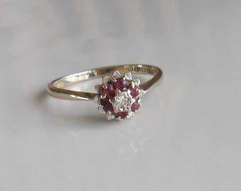 18 ct Gold  ruby and diamond cluster ring