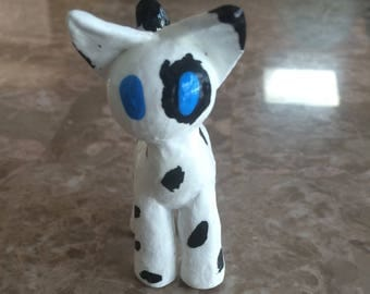 Black and White Cat Figure