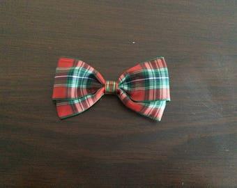 Christmas hair bow, plaid Christmas hair bow, Christmas bow, Christmas, plaid, red and green plaid hair bow